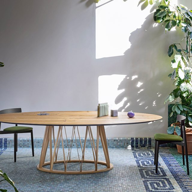 ACCO-Dining-Table-by-Miniform-from-XTRA-2